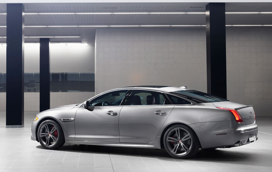 2014-Jaguar-XJR-side