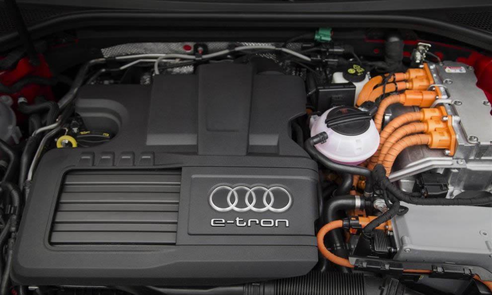 Un giro sulla Audi A3 e-tron