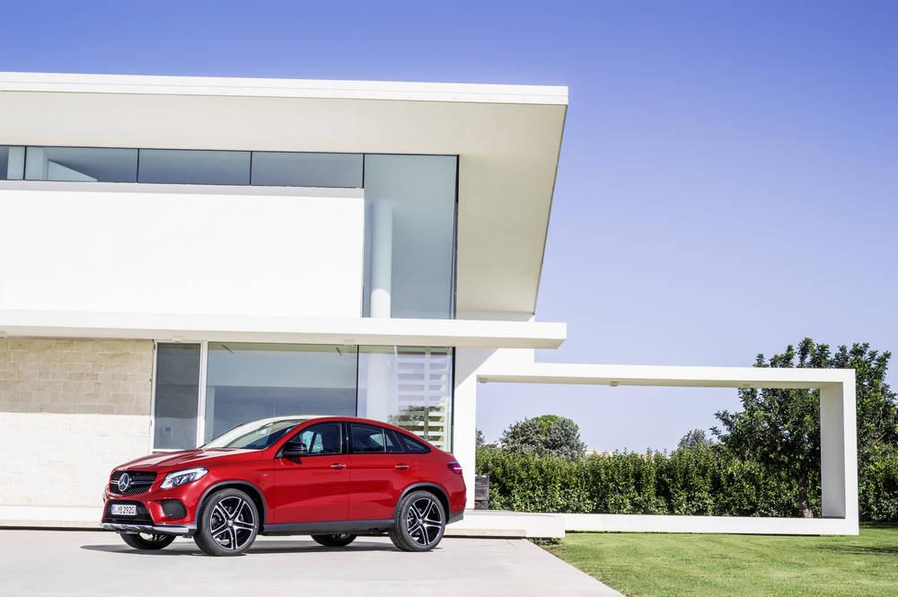 Nuova Mercedes GLE Coupé, sfida aperta con BMW X6 – FOTO