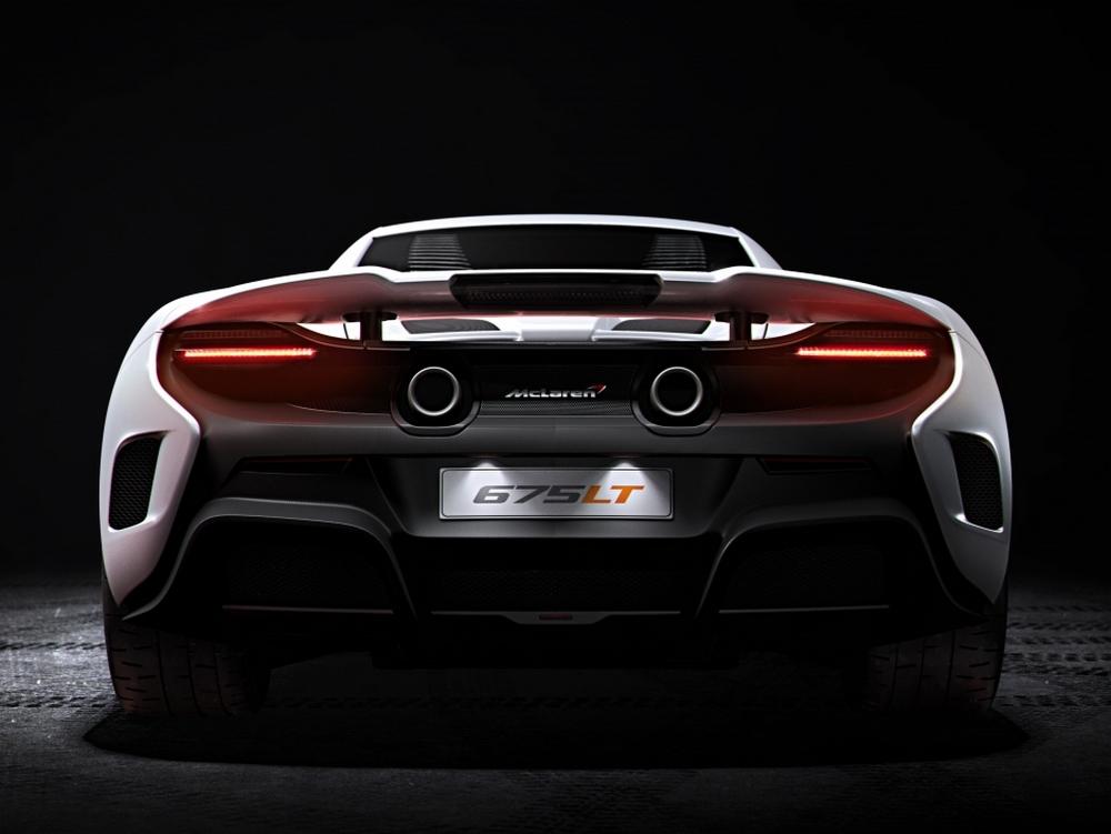 "La ""coda lunga"" è tornata: ecco la McLaren 675LT"
