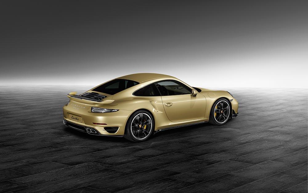 Porsche, nuovo kit aerodinamico per la gamma 911 Turbo