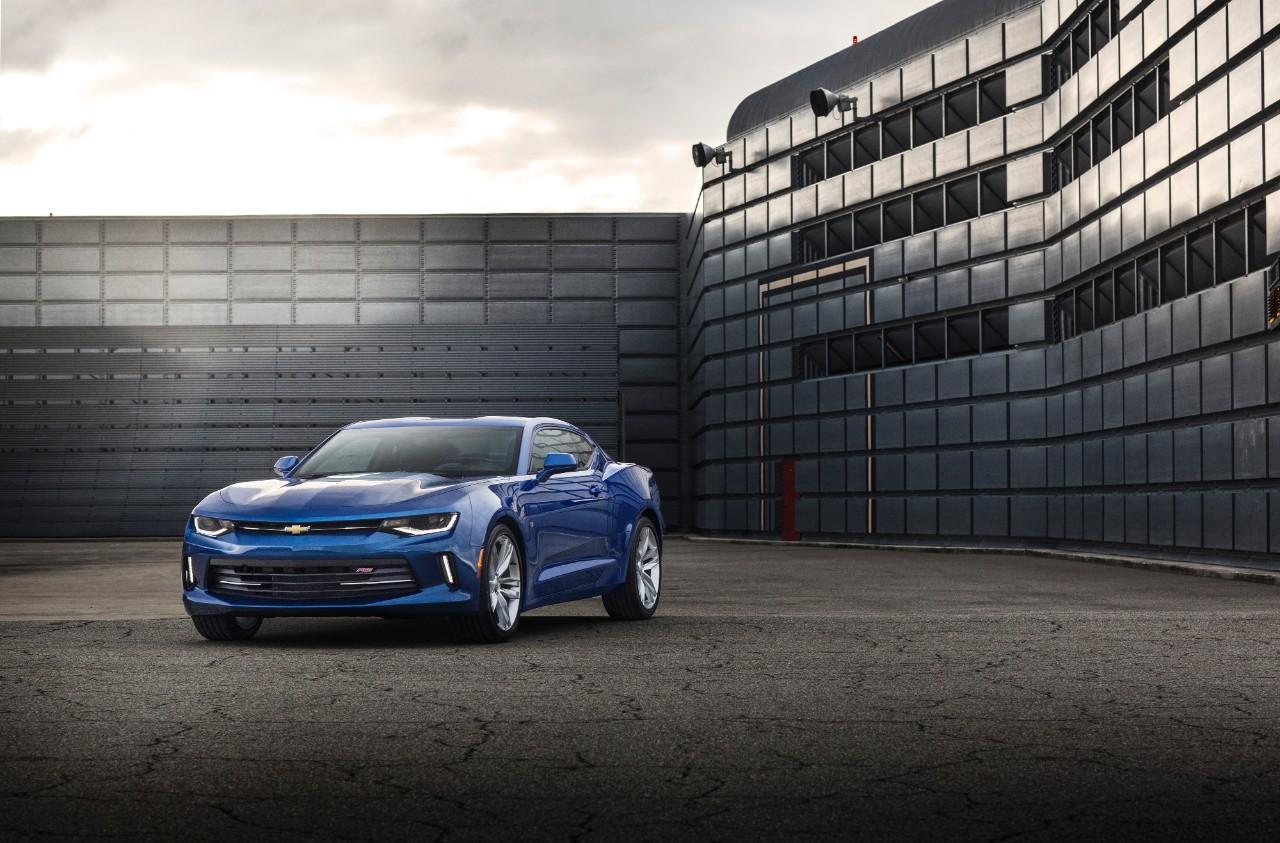 Chevy Camaro 2016: è guerra alla Mustang