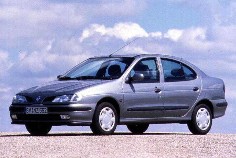0501979-Renault-Megane-Sedan-Elysee-1.4e-1998 Le peggiori auto degli ultimi 30 anni secondo Auto Addicted