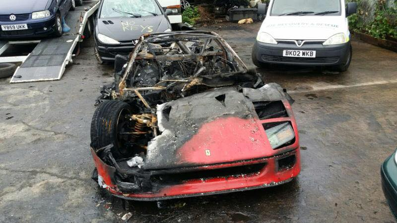 "FERRARI – ""Una F40 in meno"" per autocombustione [FOTO]"