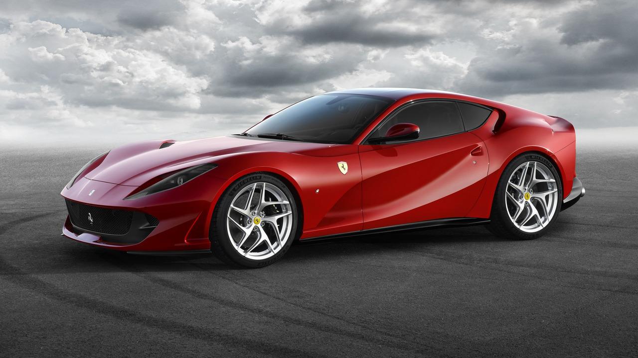 ferrari-812-superfast Ferrari 812 Superfast: la Ferrari di serie più veloce di sempre - FOTO