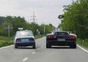 nachalo-obgona-preryvistaya-e1494262451388-300x211 7 buoni motivi per cui comprare un'auto potente è una scelta sensata