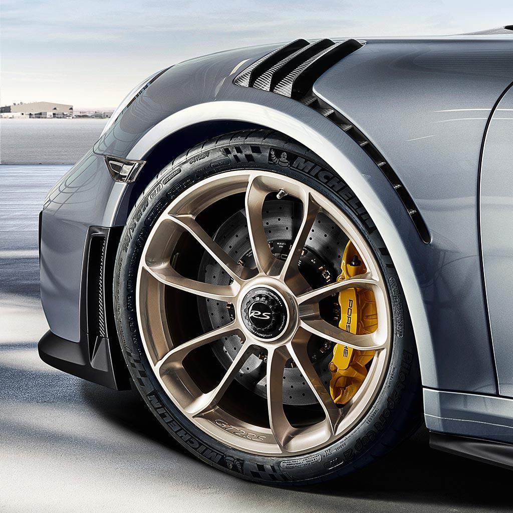porsche_911_gt2rs_14-1 La 911 più spaventosa della storia: ecco la nuova 991 GT2 RS