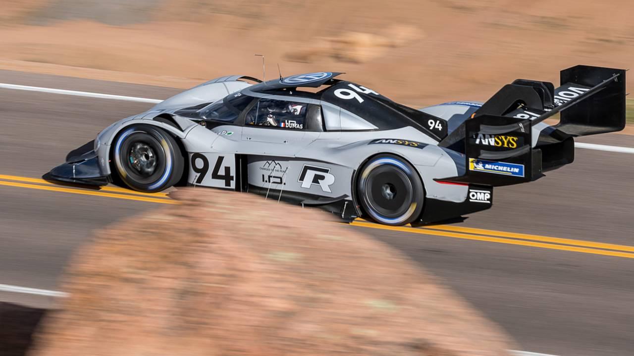 Volkswagen da una scossa alla storia della Pikes Peak: polverizzato il record di Loeb